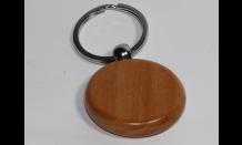 Kruhový prívesok z javorového dreva
