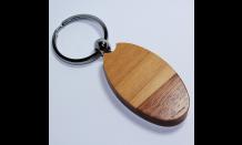 Oválny prívesok z dreva v kombinácii javor/palisander