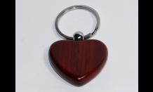 Srdcový prívesok z palisandrového dreva